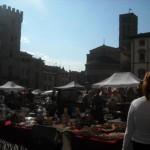 Piazza Grande di Arezzo: Fiera dell'antiquariato